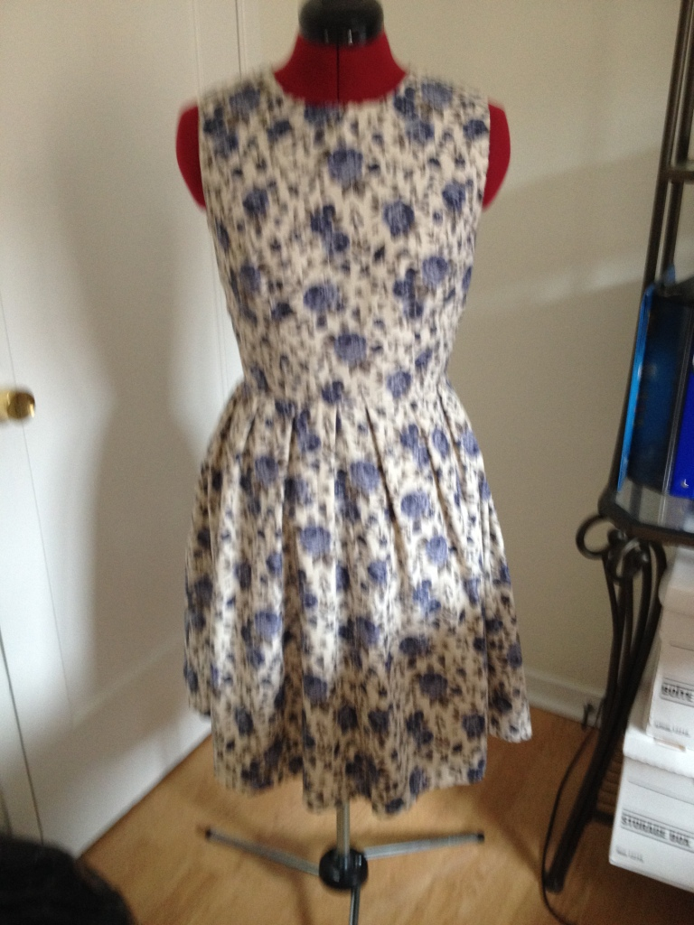 This is the summery version of the dress I'll be making.